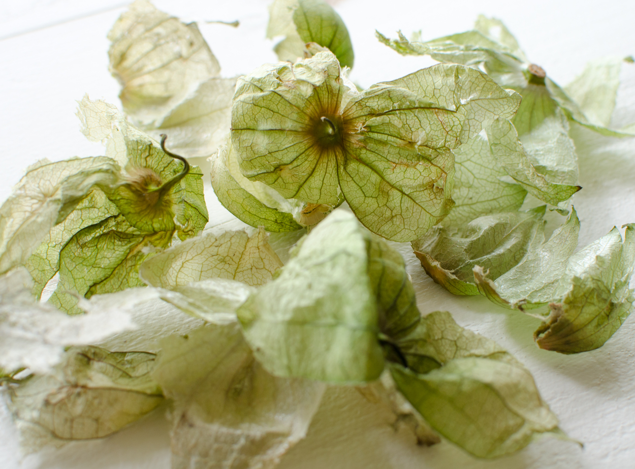 husks from tomatillos